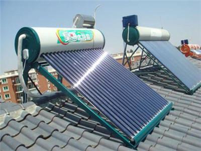 太阳能补水箱安装