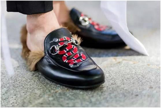 高跟out 毛拖才是今年最潮的战靴