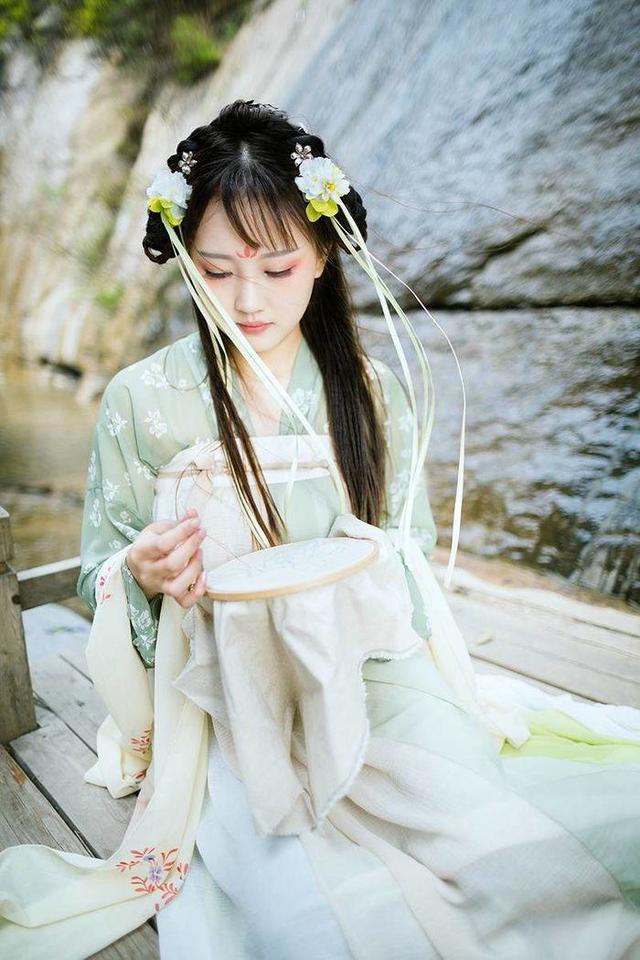 亚洲各国民族服饰比较,中国最美,印度的很性感,最后一个很有特色