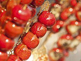 糖葫芦小贩用唾液沾芝麻