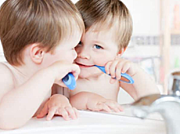 儿童7岁前 不宜用电动牙刷