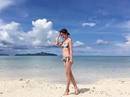 阿Sa晒沙滩比基尼美照大长腿抢镜