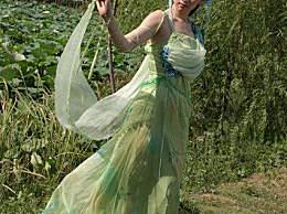 欢天喜地七仙女花絮图,瑶池边上杂草丛生,仙女瞬间不仙了