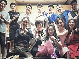 郑恺晒毕业十年聚会,原来他和王晓晨海陆都是同学,杜江成人生赢家