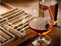 抽雪茄配威士忌?OUT了!雪茄最好的搭配应该是它!