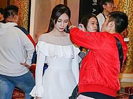 沈梦辰白色透视裙现身,大秀性感锁骨,却被网友吐槽化妆如换脸