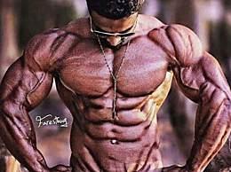 采取大重量多角度训练,虐爆上胸肌,让胸肌变得饱满更有型