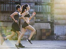 这个减肥方法比跑步更有效,家住高层的人就能做