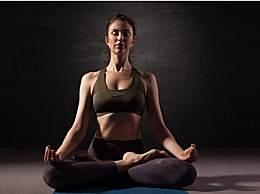瑜伽花式动作之――双莲花动作