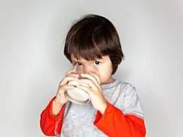 原来喝牛奶不能长高,做到这3点长大个并不难