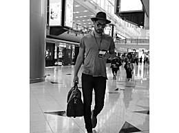 高以翔晒机场照气场好足lv模特既视感,网友:鞋子出镜率很高嘛