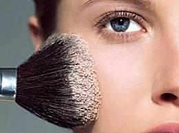 人人都知道清洁化妆刷,可是你知道正确的清洁方法吗?