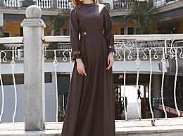 天气转凉的秋季 ,时髦女人都穿起了套装裙  ,回头率百分之百