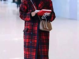 从没穿错过衣服的江疏影,教你秋冬亮色搭配
