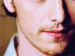 世界上最美丽的人:詹姆斯・麦卡沃伊(蓝色星空)