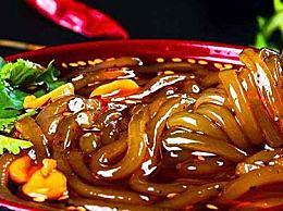 重庆八一路小吃街一定要吃一定要吃的食物
