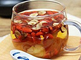 枸杞和红枣可以每天浸泡在水中吗?它具有养肝明目的功效