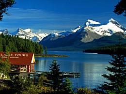 世界十大最美湖泊的清澈水面让人心平气和