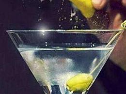 什么鸡尾酒适合男性?推荐用于男子鸡尾酒排名