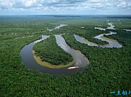 亚马逊平原 世界上最大的平原 有560万平方公里
