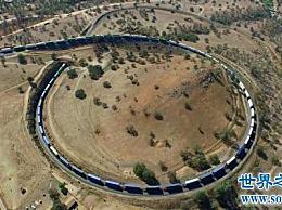 世界上最长的火车 长7000米 像一条巨蟒