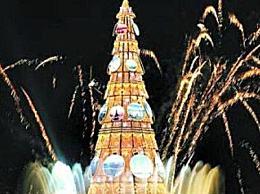 世界上最大的人造圣诞树 高85米 重542吨