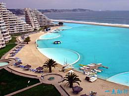 世界上最大的游泳池 可容纳25万立方米的水(相当于11个足球场)