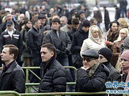 俄罗斯男女比例失衡 许多女性婚后没有人结婚