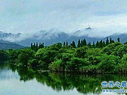 西湖十大经典景点介绍全长2.8公里的苏堤已成为十大景点中的第一个