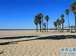 """世界上最美丽的垃圾海滩 每年有数亿人去那里""""捡垃圾"""""""