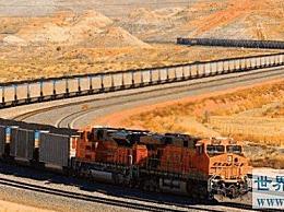 世界上最长的火车长7353米 有682节车厢 可容纳1000多名乘客