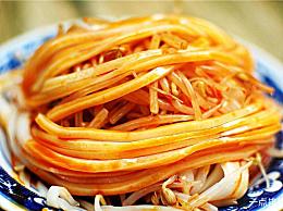 Xi著名美食榜羊肉泡馍是最受欢迎的