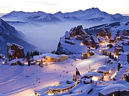 世界十大滑雪胜地奥地利圣安东滑雪胜地是最受欢迎的
