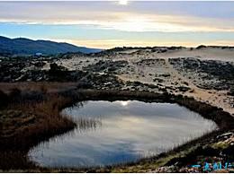 世界十大令人惊叹的心形湖泊自然杰作