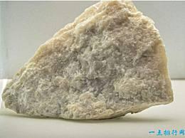 世界上最软的石头可以用作书写和造纸的药材