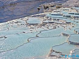 世界十大自然无限池中的自然奇观令人惊叹!